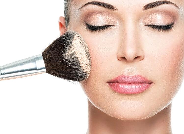 Maquiagem para o trabalho: aprenda como fazer!